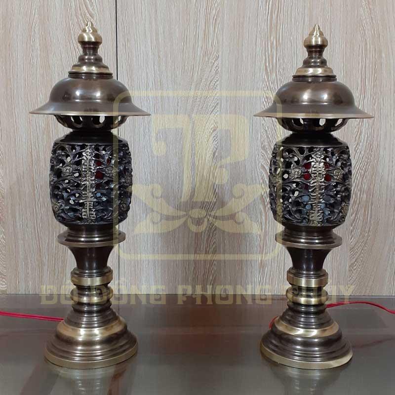 Đôi đèn quả dứa bằng đồng hun màu 40cm