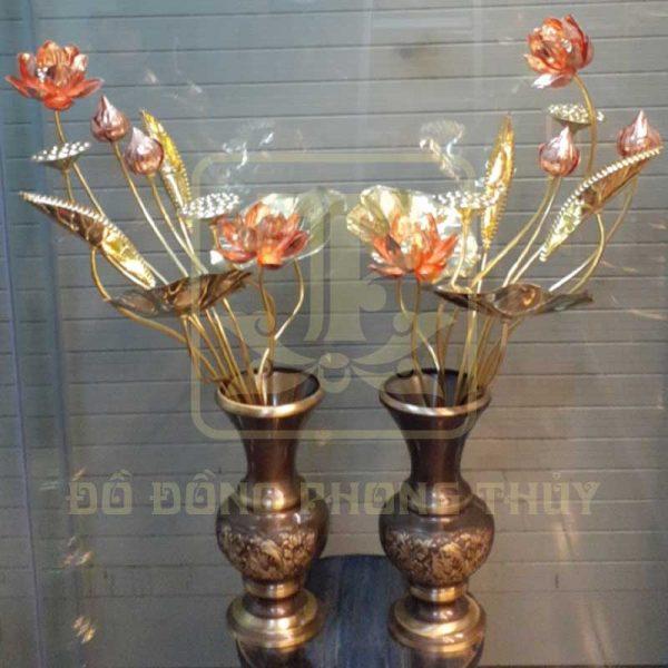 Đôi lọ hoa sen bằng đồng màu